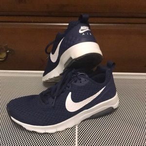 Nike AIR size 6 US